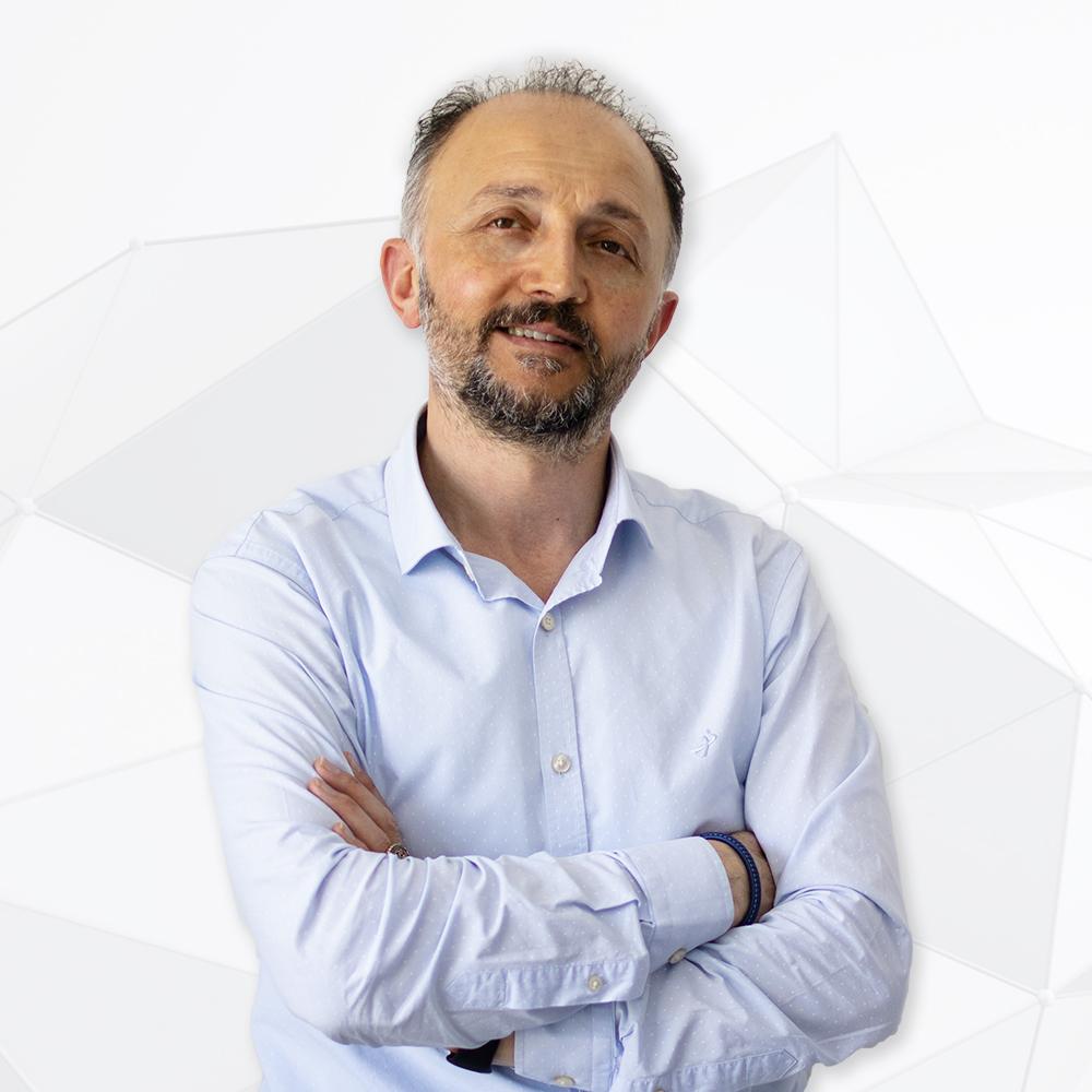 Turgay Kalkuz - Oprichter